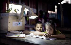 لامپ های گیاهی می توانند از باکتری ها، برق تولید کنند