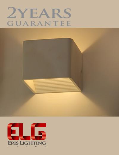 چراغ دکوراتیو مکعب بدنه سفید/مشکی مدل Q041