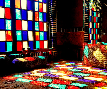 نورپردازی با شیشه های رنگی