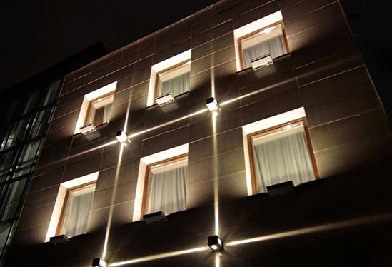 چراغ دکوراتیو در نورپردازی نماس ساختمان