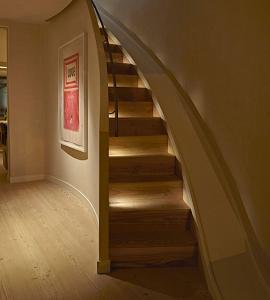 نورپردازی پله دوبلکس - استفاده از نور زیر پله ای