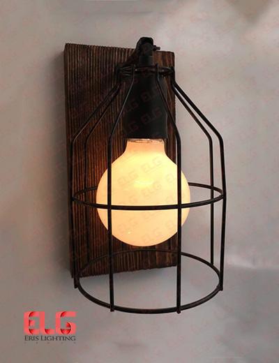 چراغ دیواری چوبی کلاسیک