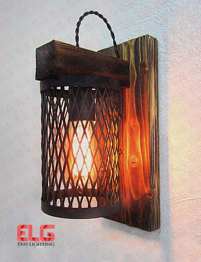 چراغ دیواری چوبی مدل توری