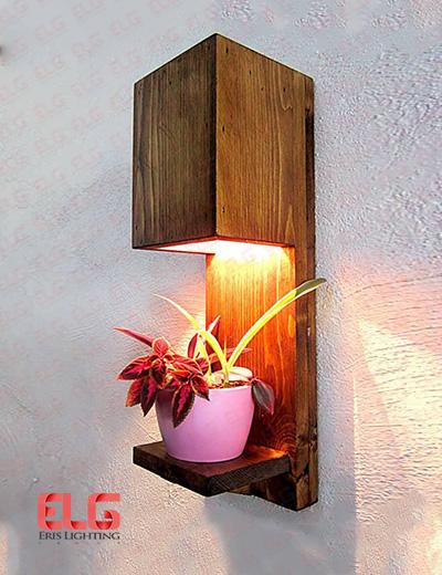 چراغ دیواری چوبی W75